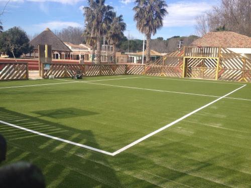 terrain-sport-pelouse-synthetique